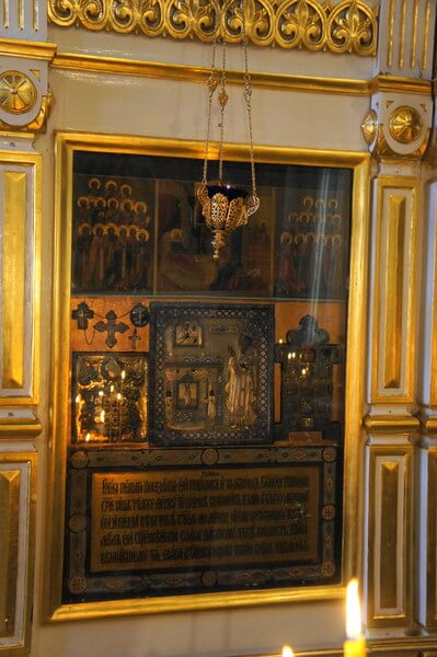 The relics of Saint Spyridon in Moscow-23
